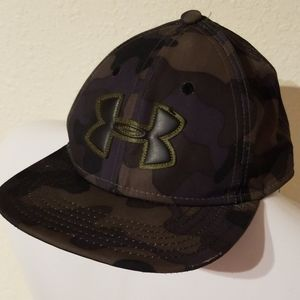 New underarmor hat youth